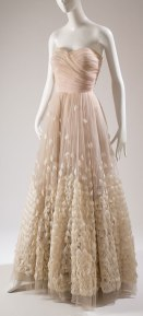 pressing robe tulle mariage