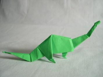 Dinosauro di carta