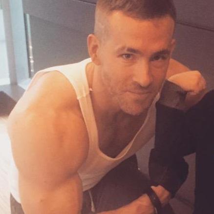 Deadpool Ryan Reynolds A Mang Chris Hemsworth Une