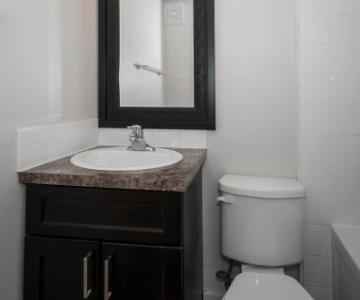 Bellamy Place Bathroom