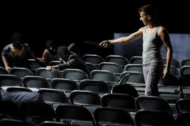 « Soudain la nuit » © Christophe Raynaud de Lage / Festival d'Avignon