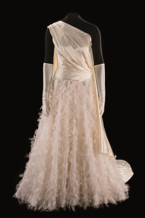 Costume dePierLuigiPizzi pourlerôle deVénus dans«leCouronnement dePoppée» deMonteverdi ©FlorentGiffard