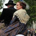 Vous faites quoi le 1er mai? Venez rencontrer une Reine!