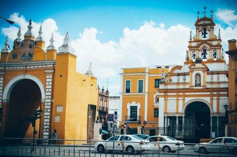 Porte d'entrée du quartier de la Macarena à Séville, voyage en espagne