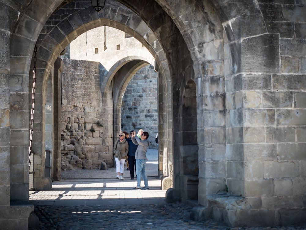 le pont levis de la cite de carcassonne patrimoine mondial unesco