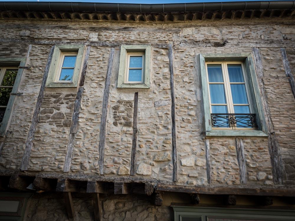 maison a colombage dans la cite de carcassonne patrimoine mondial unesco