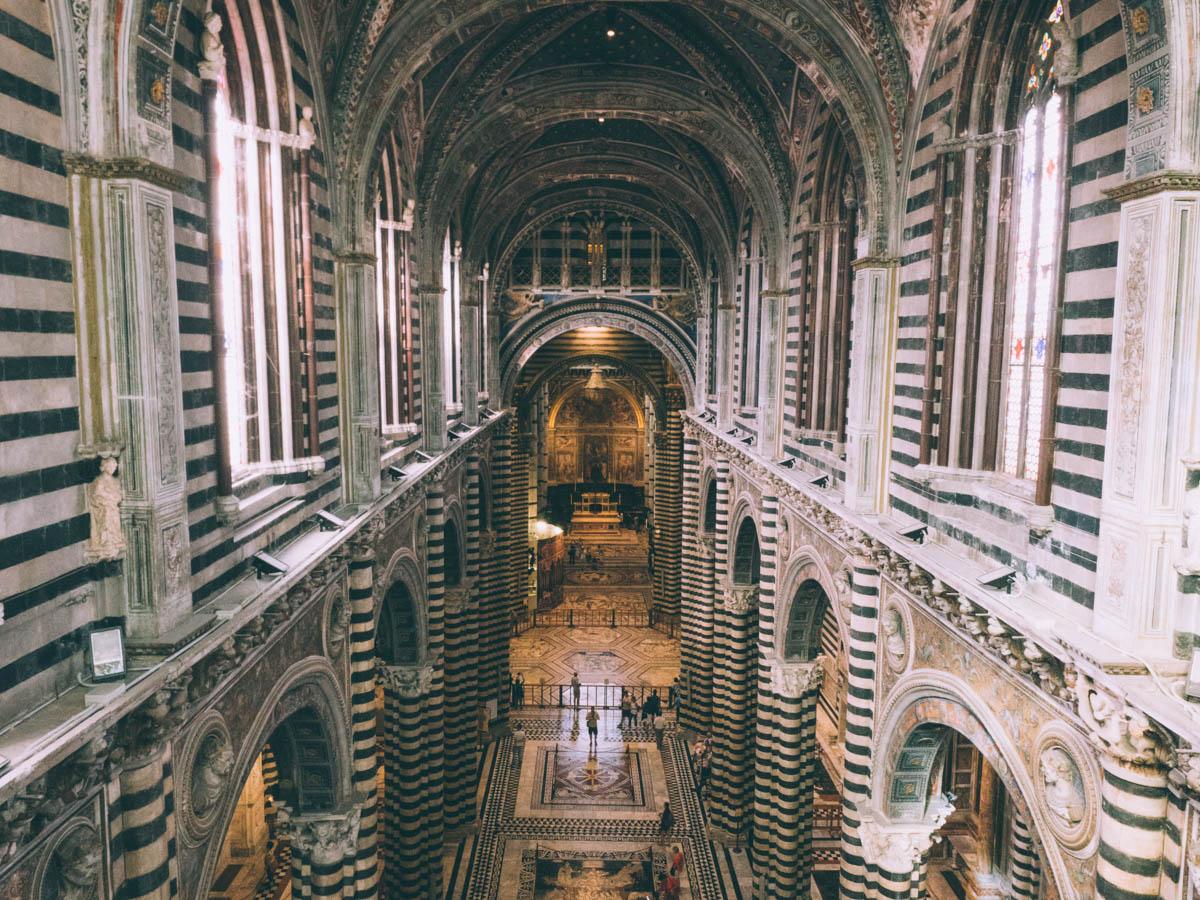 vue de la cathédrale de sienne en toscane