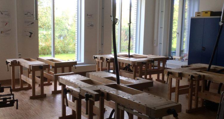 En Norvège les arts plastique comprennent la couture et la menuiserie
