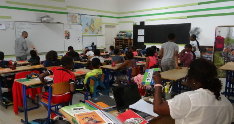 salle de classe école Jacques Prévert à Saly Sénégal