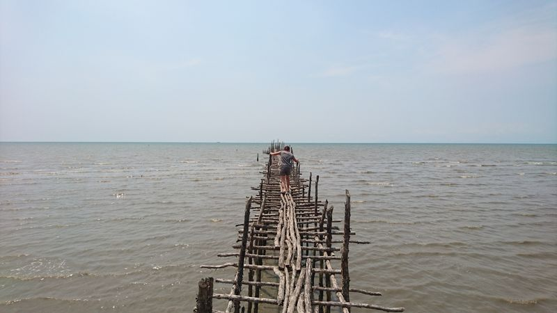 Pont en suspension à Koh Kong, au Cambodge