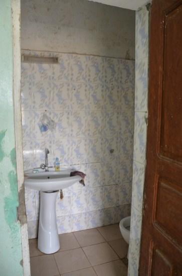 et la salle de bain à porté de main!!