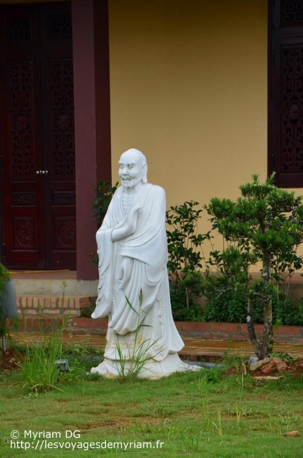 Le moine pas content-content