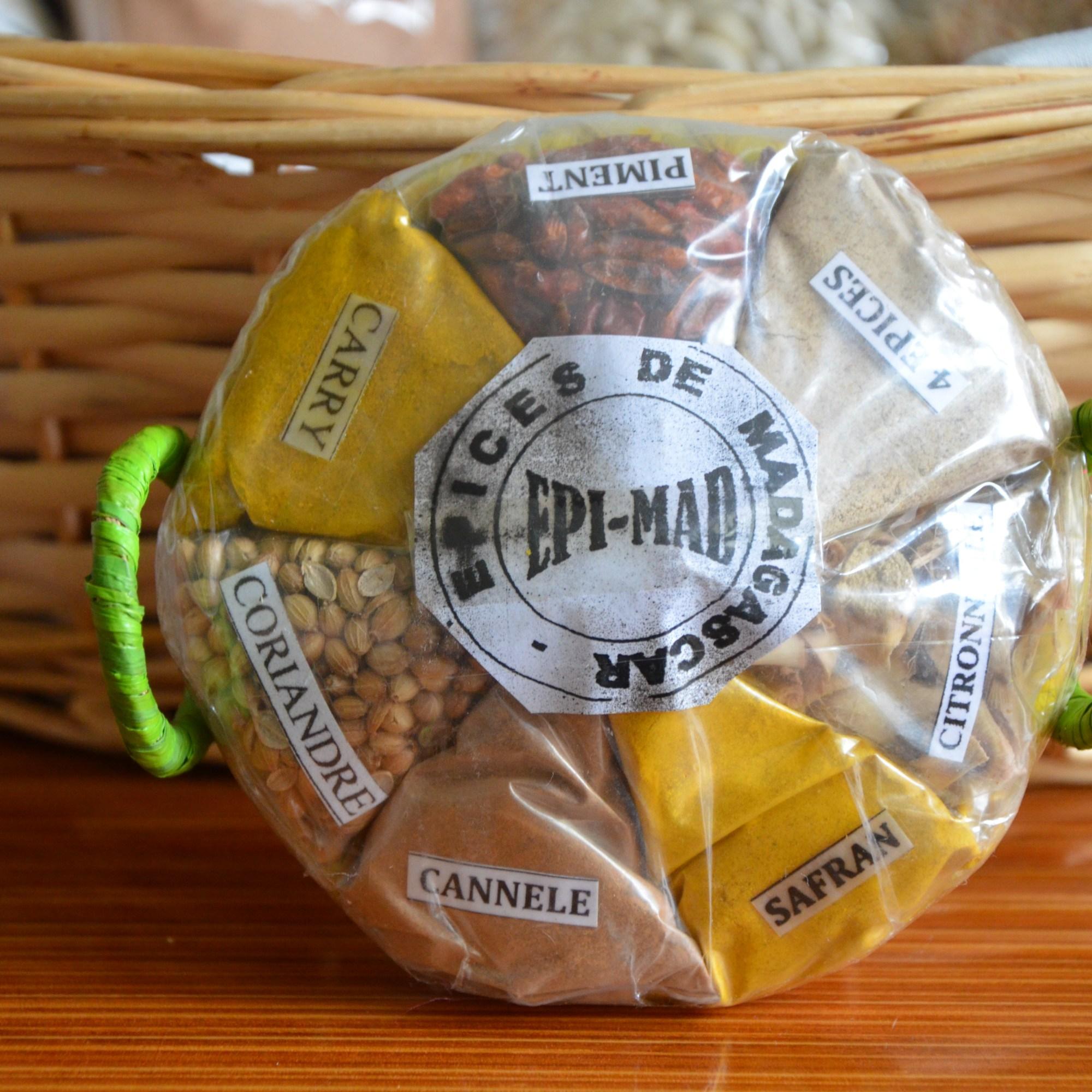 panier-garnis-produit-culinaire-malgache