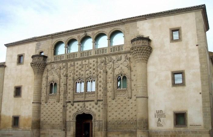 Le palais de Jabalquinto à Baeza