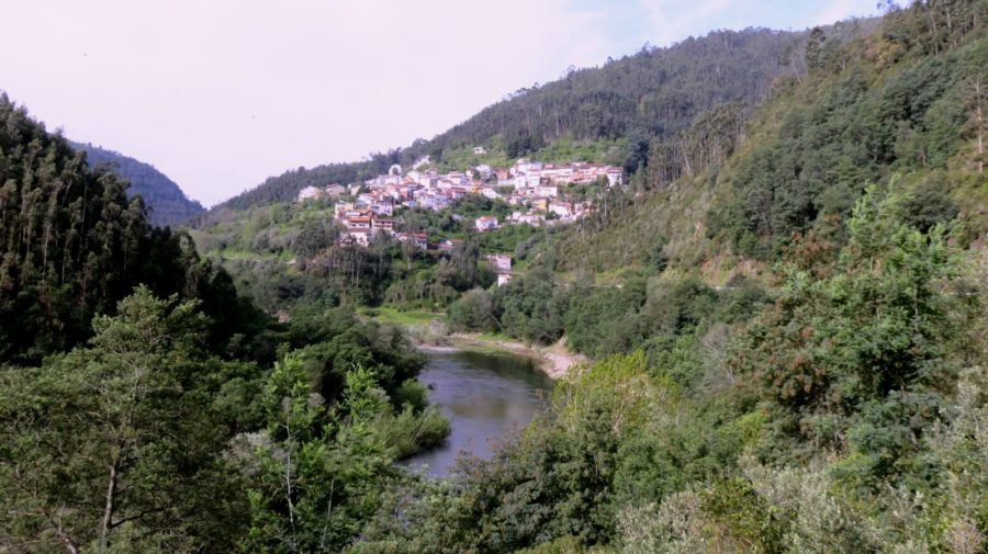 Le village de Foz Do Caneiro