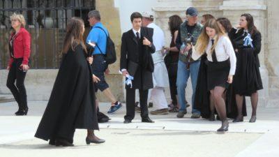Coimbra - Etudiants avec leurs grandes capes noires