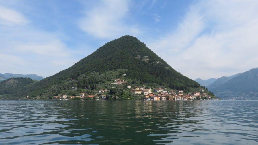 L'île de Monte Isola sur le lac d'Iseo
