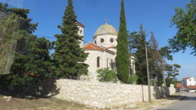 église sur la route entre Skradin et Zagreb - Croatie