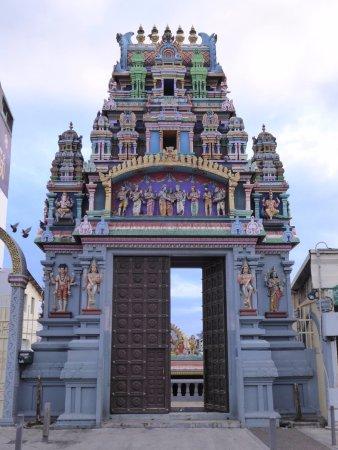Le temple Tamoul Kovil Kalikambal de St Denis (Réunion)