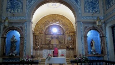 L'église Santa Maria du château de Sesimbra