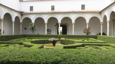 Les jardins du palais des ducs de Bragance