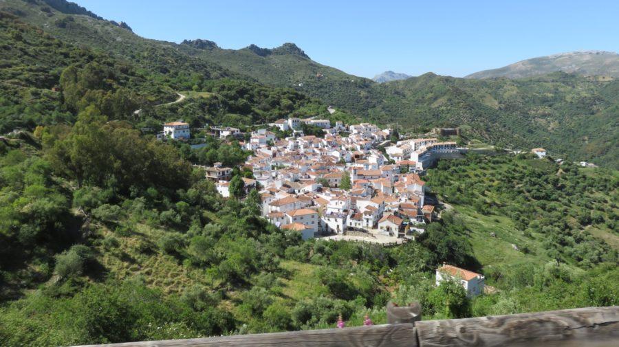 Le village blanc de Benalauria depuis le mirador de los Castanares
