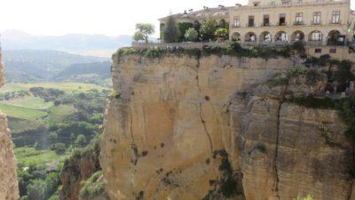 Vue depuis le Pont Nouveau de Ronda sur le Parador