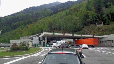 Au péage du Tunnel du Mont Blanc