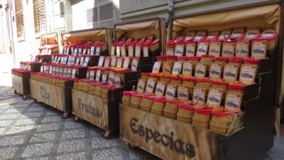 Etal d'épices à Grenade