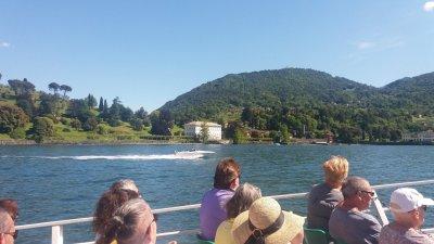 Nous quittons Bellagio pour la villa Carlotta de l' autre côté de la rive du lac de Côme