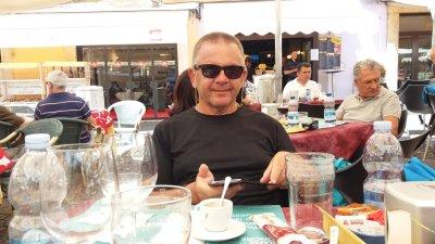 Au restaurant sur la piazza Sordello de Mantoue
