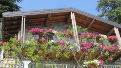 Belle maison fleurie de Monte Isola