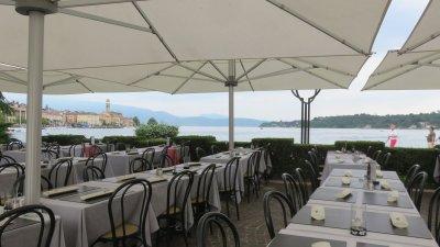 Terrasse de restaurant à Salo (lac de Garde)