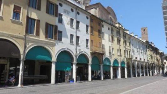 Plazza Erbe de Mantoue