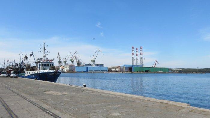 Le port industriel de Pula
