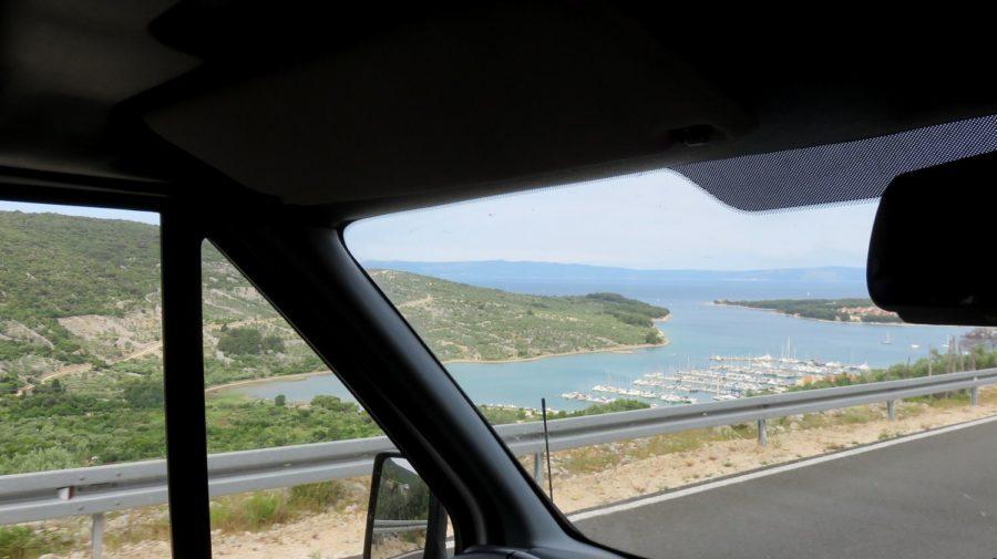 Vue sur le port de Cres (Croatie)