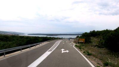 Sur la route vers le pont de l'île de Krk