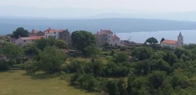 Le village de Predoscica sur l'île de Cres (Croatie)
