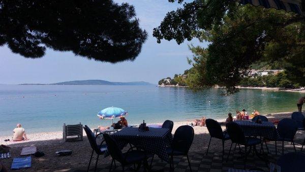 Sur la plage de Drvenik - Croatie