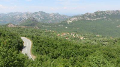 Vue entre Virpazar et Petrovac - Monténégro
