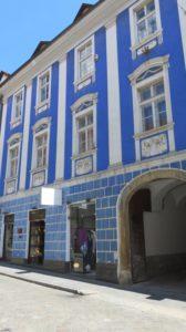 Bâtiments colorés dans les rues de Zagreb