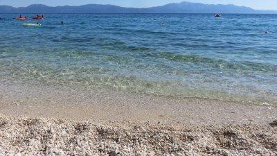 Sur la plage de Zaostrog