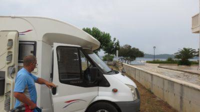Sur l'aire de camping-car d'Orebic - Croatie