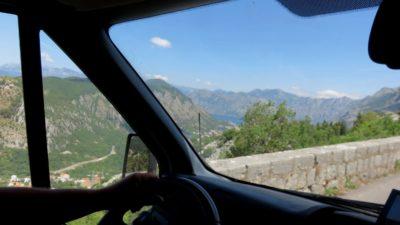 Vue magnifique sur la baie de Kotor depuis la route Serpentine - Monténégro