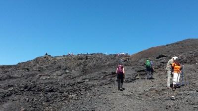 Longue progression sur les versants du Piton de la Fournaise