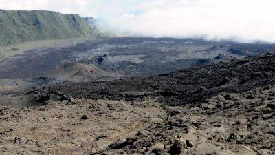 Cratères dans l'enclos Fouqué - Piton de la Fournaise