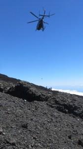 Hélitreuillage au sommet du Piton de la Fournaise