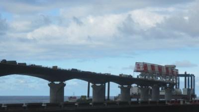 Le viaduc du Littoral en construction - Réunion