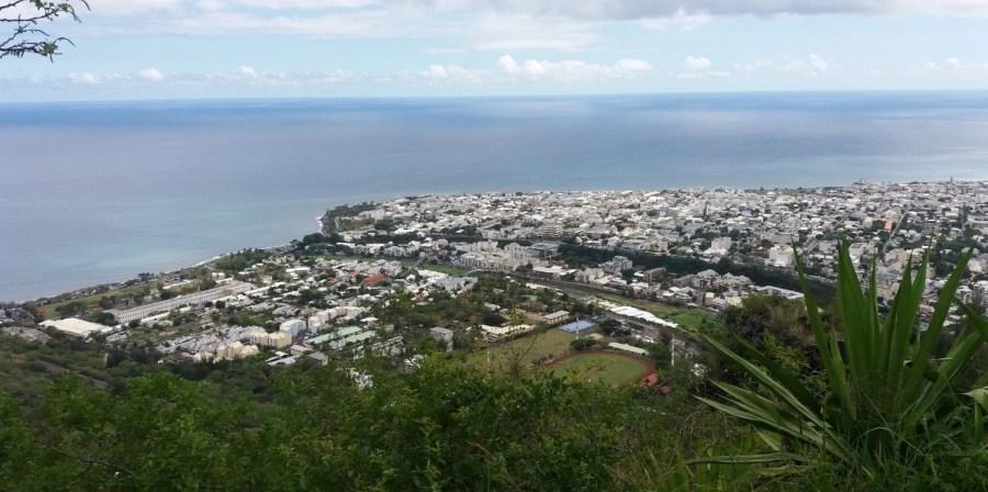 Vue sur St Denis depuis La Montagne - Réunion