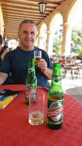 Dans un snack de la place d'Armes - La Havane (Cuba)